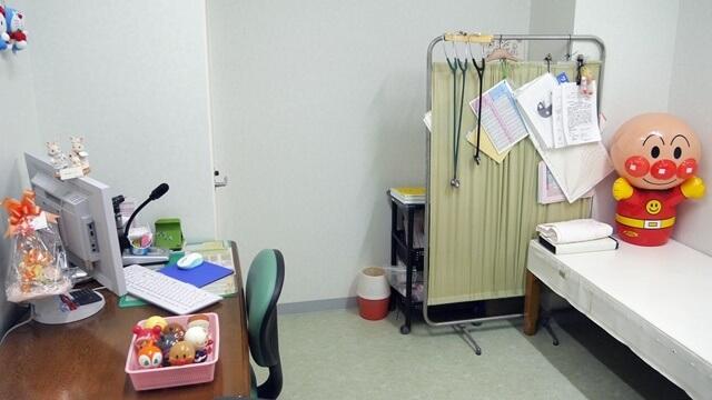 小杉ファミリークリニック 小児科診察室